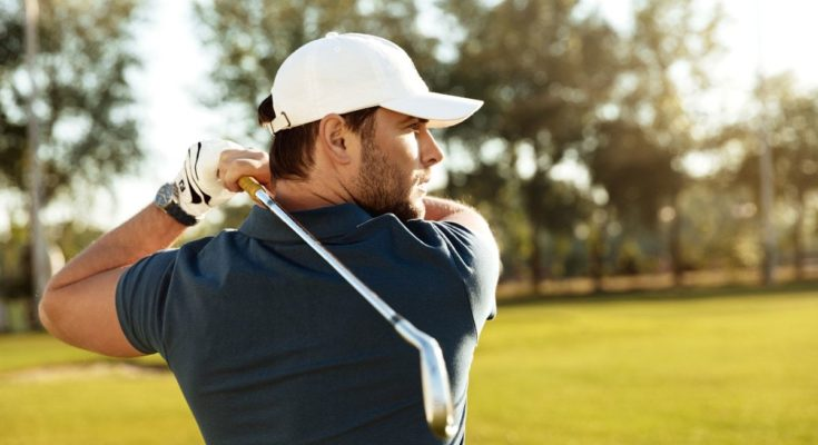 how to swing a golf club - beginner's guide to swinging a golf club - One Stroke Golf